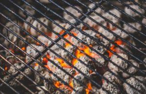 Kulgrill - skal du bruge grillkul eller grillbriketter?