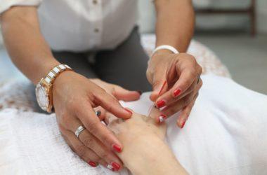 Akupunktur kan hjælpe dig med både fysiske og psykiske lidelser